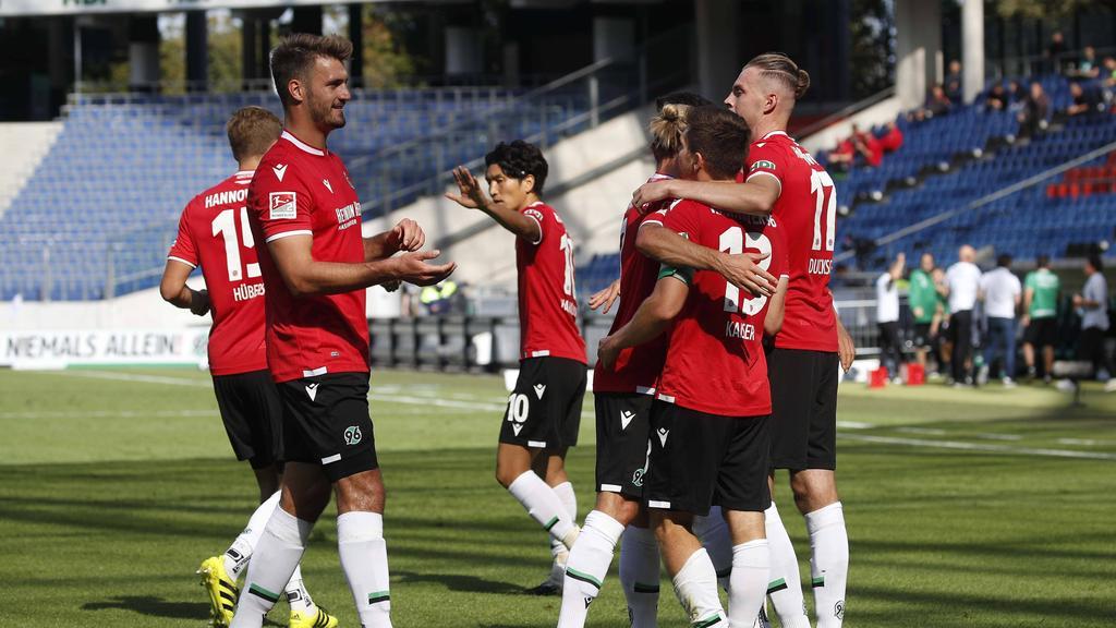 Hannover 96 setzte sich gegen den KSC durch