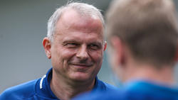 Jochen Schneider und Co. werden am Mittwoch wohl einen neuen Trainer beim FC Schalke 04 begrüßen