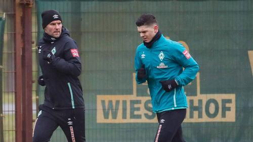 Könnte gegen Augsburg wieder auf dem Platz stehen: Bremens Milot Rashica (r.)