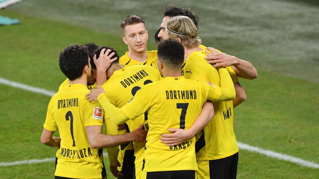 Die BVB-Spieler feierten nach dem Derby-Sieg gegen den FC Schalke etwas zu ausgelassen