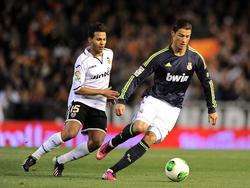 Jonathan Viera vs. Cristiano Ronaldo