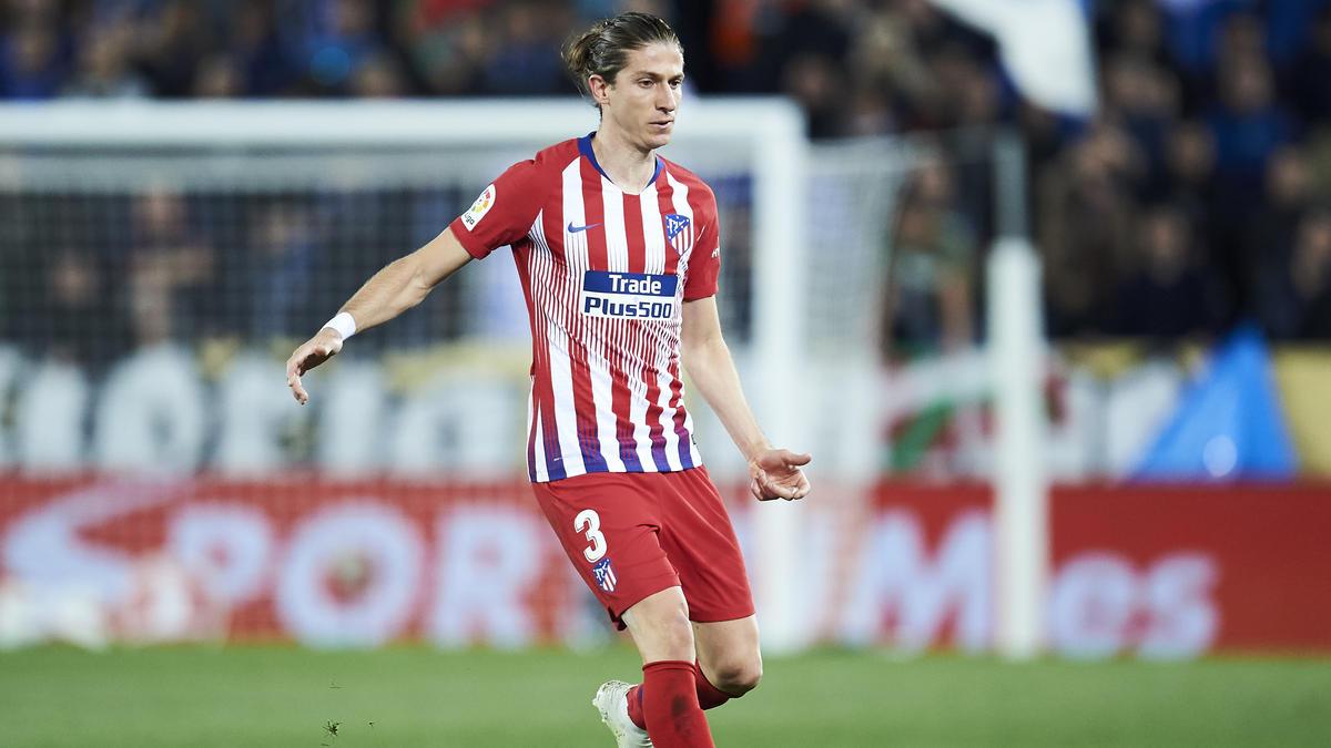 Filipe Luís steht nicht nur beim BVB auf der Liste