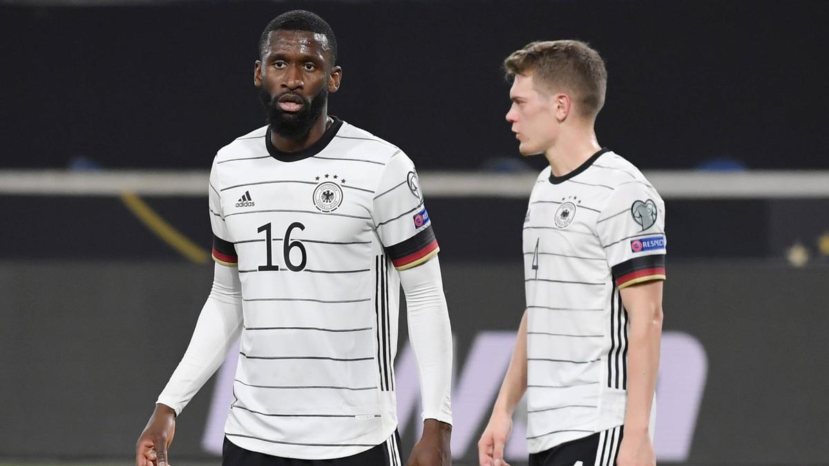 Der FC Bayern könnte bei Matthias Ginter und Antonio Rüdiger anklopfen