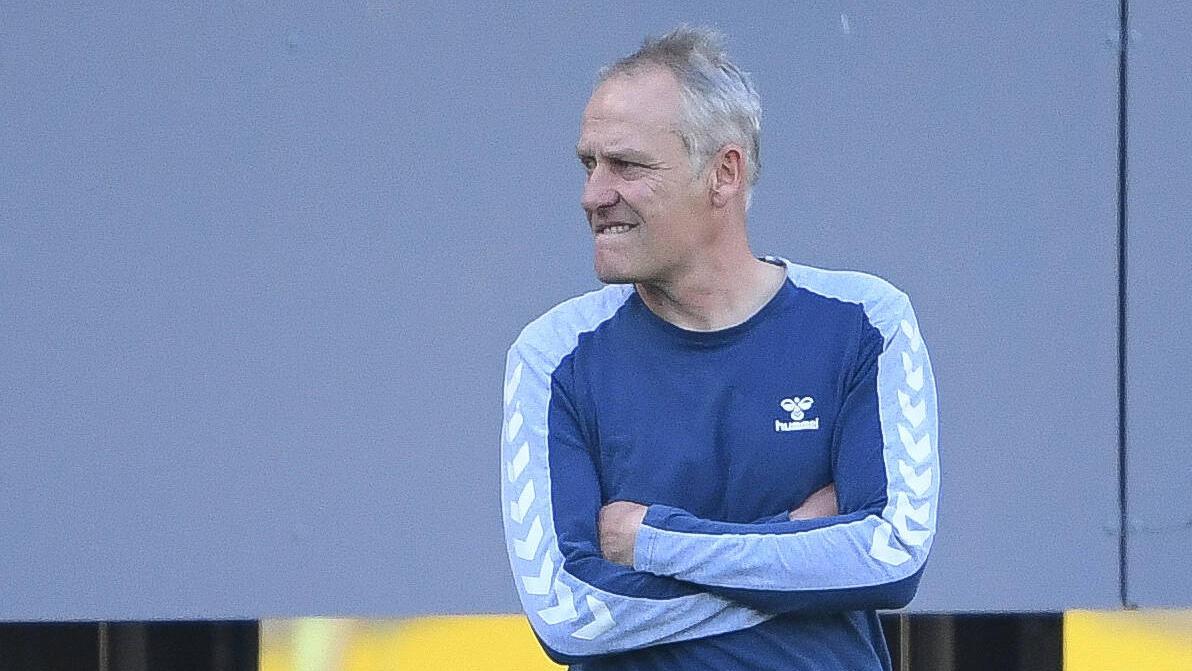 Christian Streich tritt mit dem SC Freiburg gegen Hertha BSC an