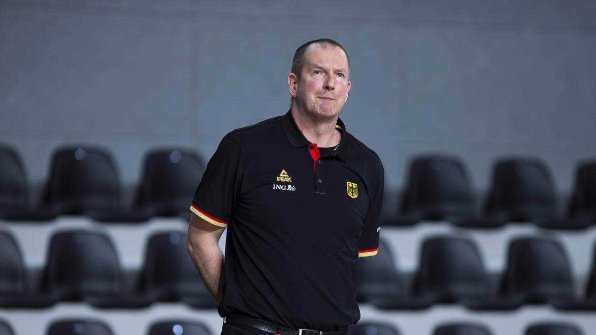 Sieht eine Überbelastung seiner Nationalspieler: Bundestrainer Henrik Rödl