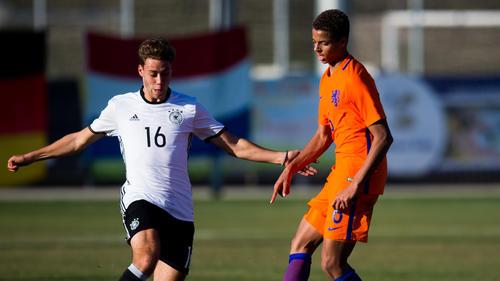 Justin Lonwijk (r.) hat mit der niederländischen Junioren-Nationalmannschaft bereits internationale Erfahrung gesammelt