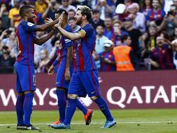 Messi (dcha.) celebra su vuelta al Camp Nou con un tanto al Deportivo. (Foto: Imago)