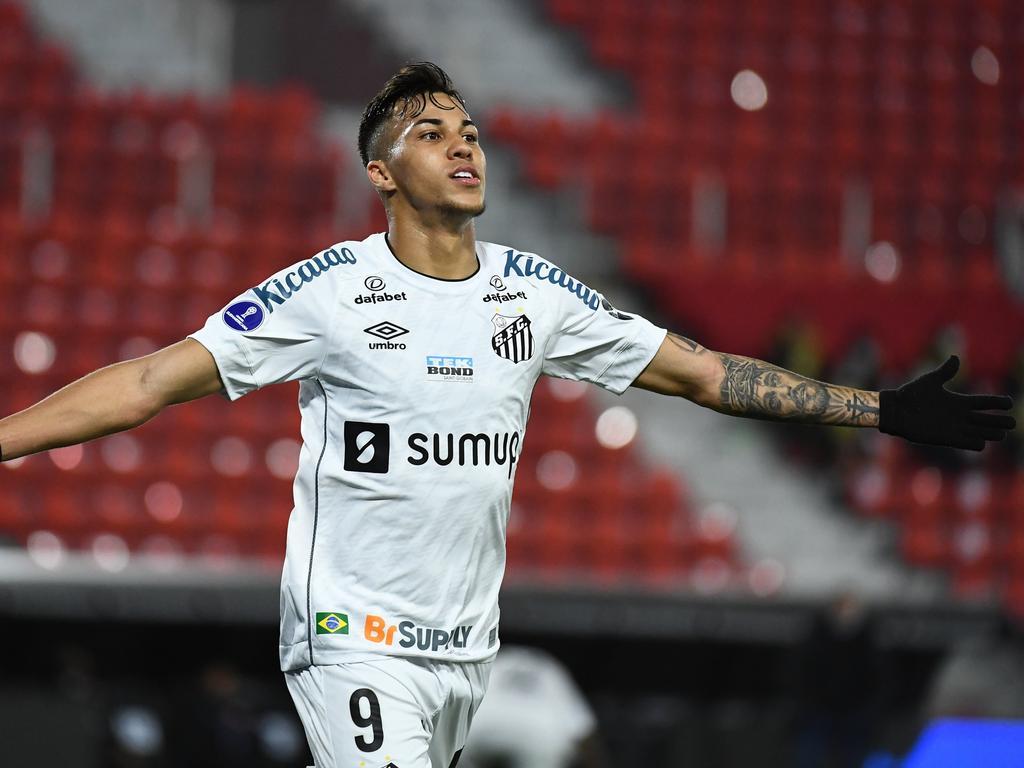 Santos consiguió su objetivo a base de lucha.