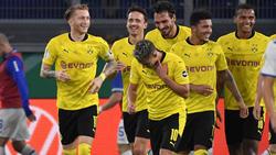 Marco Reus (l.) traf mit einem Blitz-Tor nach seiner Einwechslung zum 5:0-Endstand