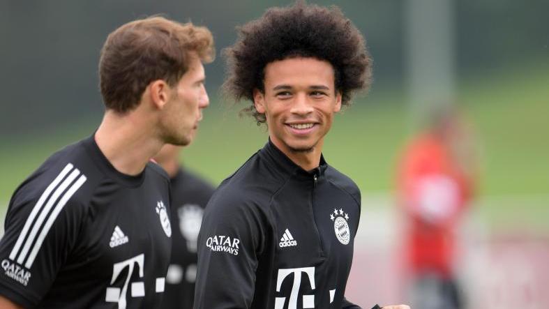 Leroy Sané (r.) wechselte zum FC Bayern