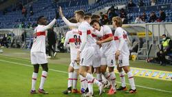 Soll beim VfB Stuttgart vorzeitig verlängern: Silas Wamangituka (l.)