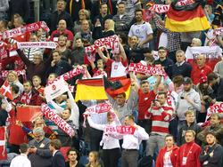Deutsche und polnische Fans beim EM-Finale