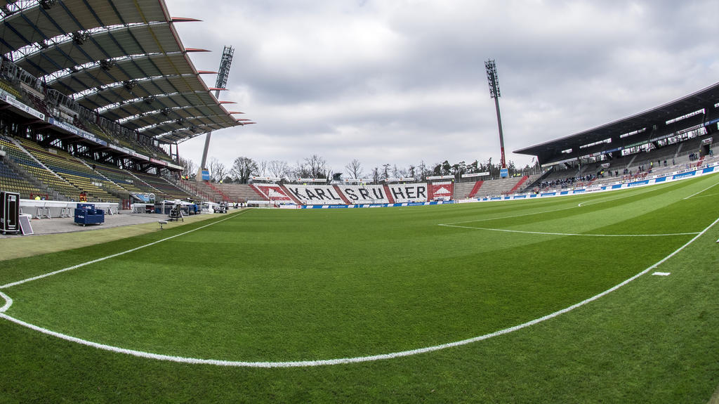 Der KSC könnte den Aufstieg in die 2. Bundesliga ohne Auflagen antreten
