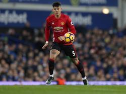 Marcos Rojo heeft balbezit tijdens het competitieduel Everton - Manchester United (04-12-2016).
