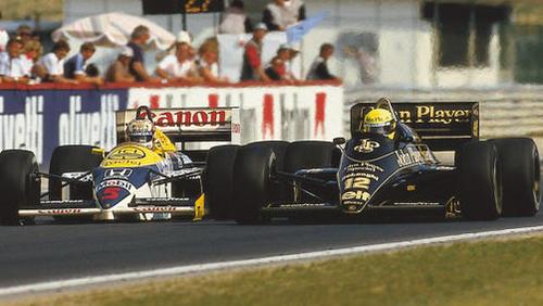 Mansell im Kampf gegen Ayrton Senna 1986 in Ungarn