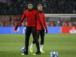 Neymar y Mbappé en un calentamiento de Champions. (Foto: Getty)