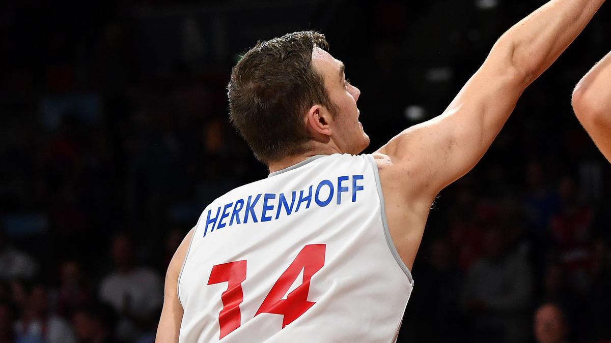 Philipp Herkenhoff bleibt vorerst in der BBL
