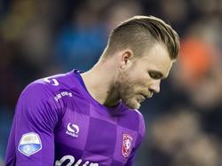 FC Twente-doelman Nick Marsman baalt nadat Vitesse-aanvaller Milot Rashica Vitesse op 3-0 heeft gezet. (15-01-2017)