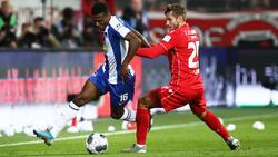 Javairo Dilrosun (l.) soll beim BVB auf der Liste stehen