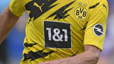 In der Bundesliga ziert das Opel-Logo das Trikot des BVB