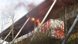 Raketen waren nach dem Anstoß bei Union Berlin vs. Hertha BSC zu hören