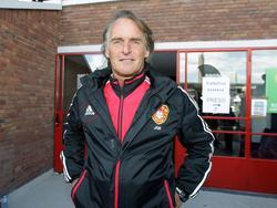 Jan Olde Riekerink is als lid van de Chinese voetbalbond aanwezig op het jeugdtoernooi van de Copa Amsterdam. (02-06-2012)