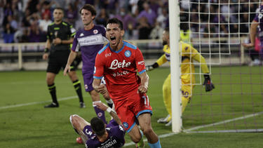 Neapels Lozano bejubelt seinen Treffer gegen Florenz
