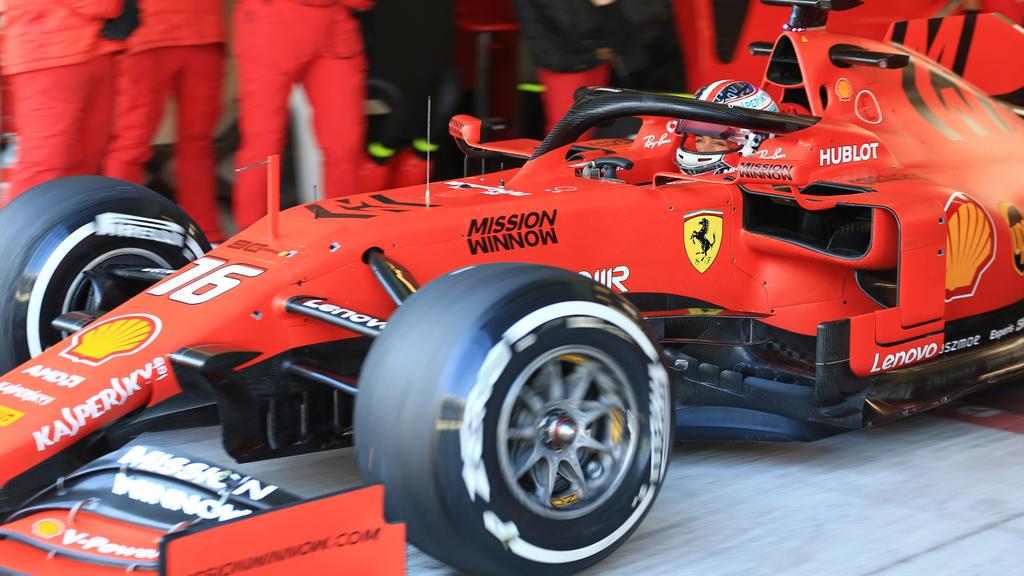 Charles Leclerc testet noch vor den offiziellen Barcelona-Tests die neuen Pneus