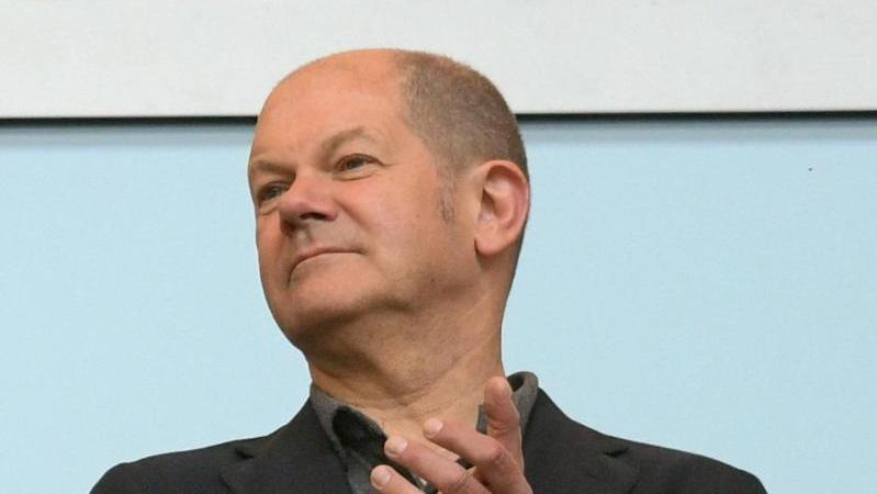 Olaf Scholz rechnet mit einem baldigen Ende der Geisterspiele