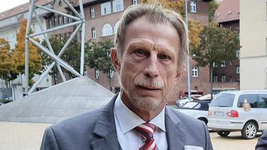 Rechnet damit, dass  der FC Schalke 04 absteigen wird: Christoph Daum