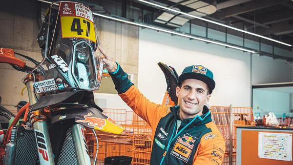 Kevin Benavides fährt bei Wüstenrallyes, darunter die Dakar, ab sofort für KTM