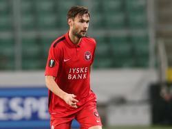 Tim Sparv is gefocust tijdens het Europa League-duel Legia Warschau - FC Midtjylland. (26-11-2015)