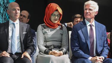 Hatice Cengiz (C), fiancee of murdered Saudi journalist Jamal Khashoggi.