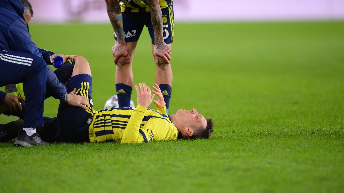 Musste im Spiel von Fenerbahce gegen Antalyaspor ausgewechselt werden: Mesut Özil