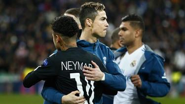 Neymar (l.) hätte sich ein Real-Engagement zusammen mit Ronaldo wohl vorstellen können