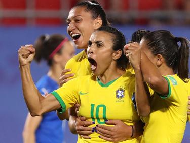 2019 Marta/BRA markiert gegen Italien in Valenciennes/FRA den 1:0-Siegtreffer und schreibt gleichzeitig mit ihrem insgesamt 17. WM-Tor Geschichte.