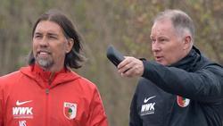 Bekommt von Stefan Reuter (r.) Rückendeckung: Martin Schmidt vom FC Augsburg