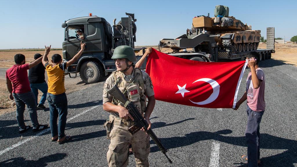 Die Offensive türkischer Streitkräfte in Nordsyrien wird von der Nationalmannschaft unterstützt