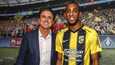Joshua Brenet (r.) geht auf Leihbasis zum niederländischen Erstligisten Vitesse