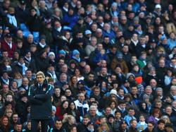 Manuel Pellegrini mit City-Fans im Rücken