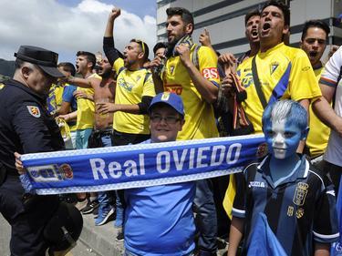 Al igual que en Oviedo, ambas aficiones darán todo en Cádiz para que su equipo ascienda. (Foto: Imago)
