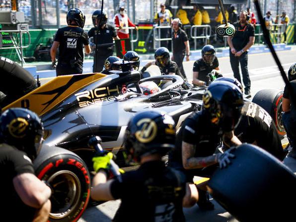 Romain Grosjean erlebte erneut eine Boxenstopp-Panne in Melbourne