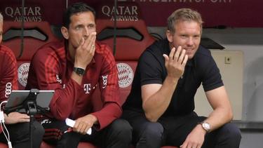 Dino Toppmöller (li.) vertrat Julian Nagelsmann auf der Bank des FC Bayern