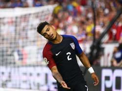 DeAndre Yedlin baalt van een gemiste kans. De vleugelverdediger speelt met de Verenigde Staten op de Copa América tegen Colombia. (26-06-2016)