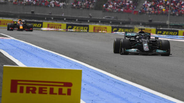 Lewis Hamilton spürt Max Verstappen näherkommen