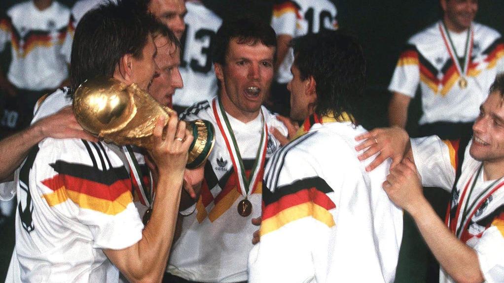 Lothar Matthäus (M.) im WM-Jahr 1990