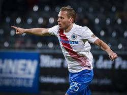 Ruud Vormer viert één van zijn twee treffers tijdens het competitieduel AS Eupen - Club Brugge (21-12-2016).