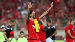 Neven Subotic verabschiedete sich von den mitgereisten BVB-Fans