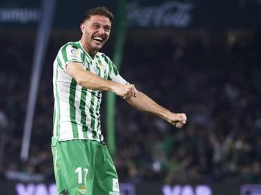 Joaquín Sánchez celebra un gol ante el Valencia.