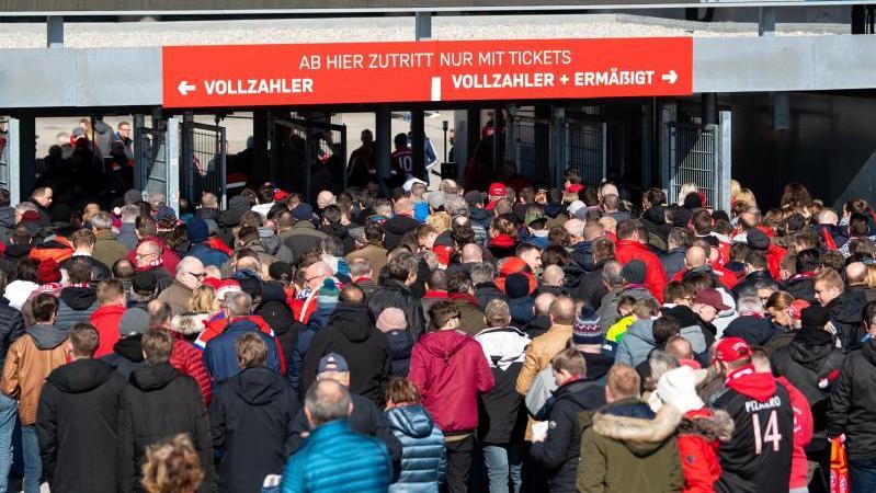 Die Bremer Politik blickt kritisch auf die DFL-Pläne zur Fan-Rückkehr